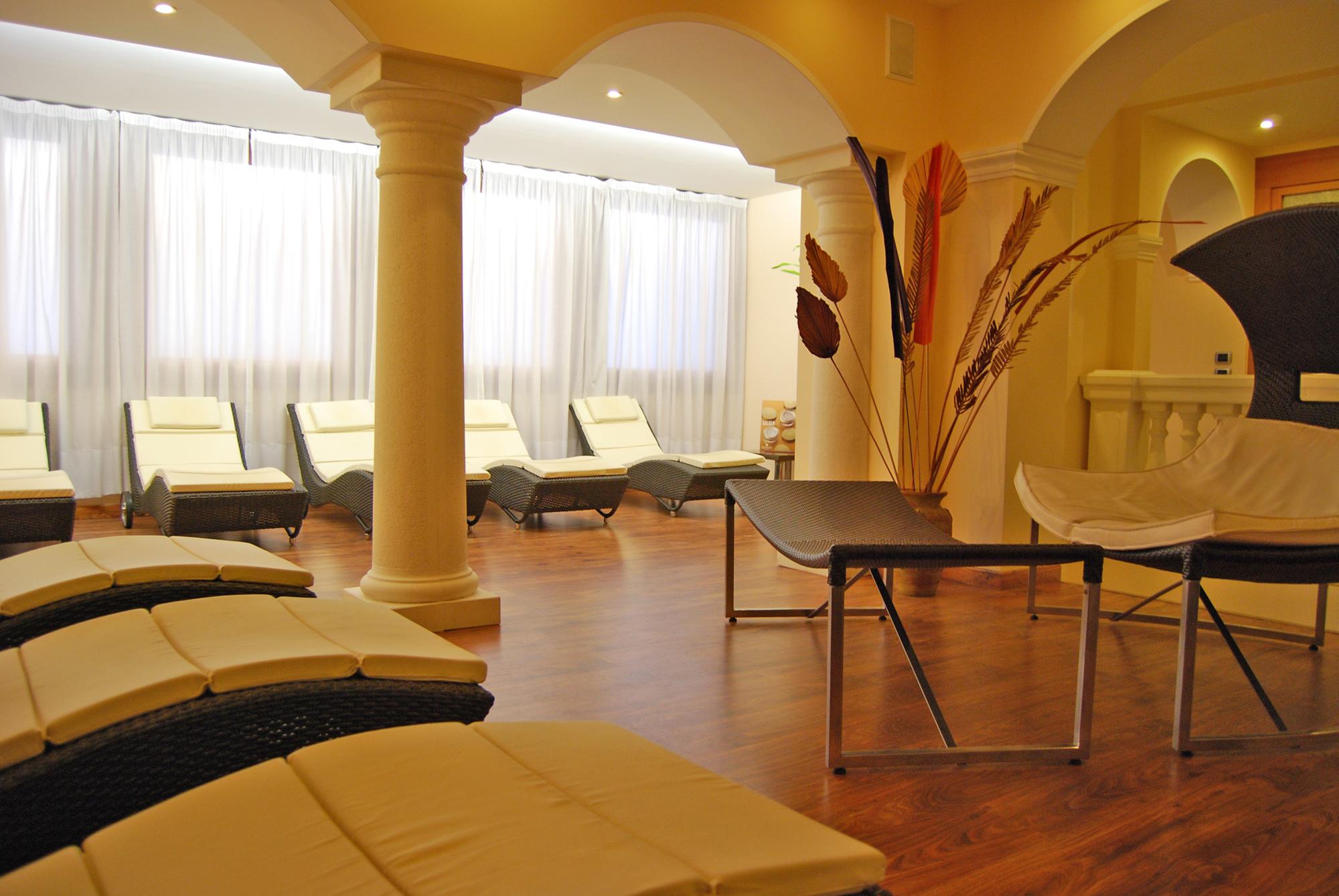 Hotel Bel Soggiorno**** - Toscolano Maderno - Lago di Garda - Consultour